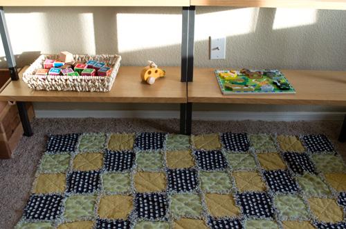 Keeping toys simple | www.risingshining.com