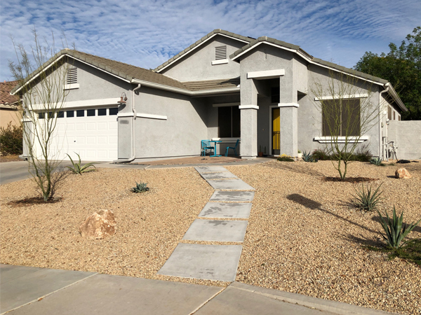 A modern water-wise desert front yard | RISING*SHINING